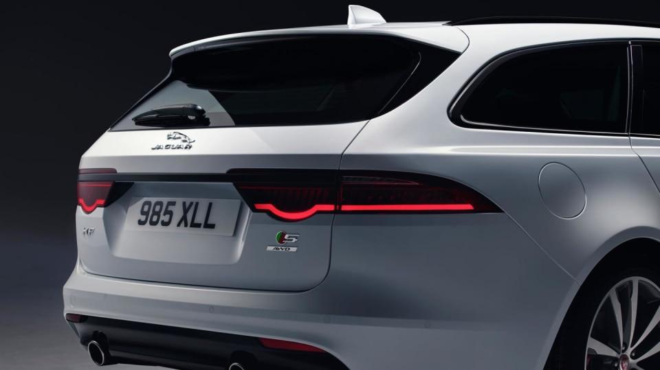 Jaguar XF Sportbrake, sportovní rodinný kombík 6