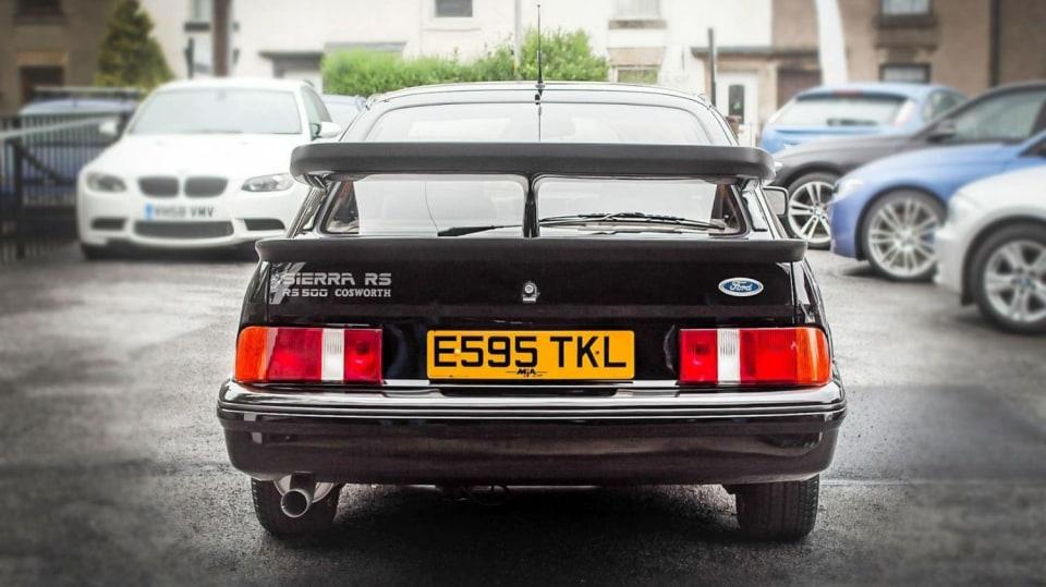 Ford Sierra RS500 Cosworth je vyhledávaná rarita. 6