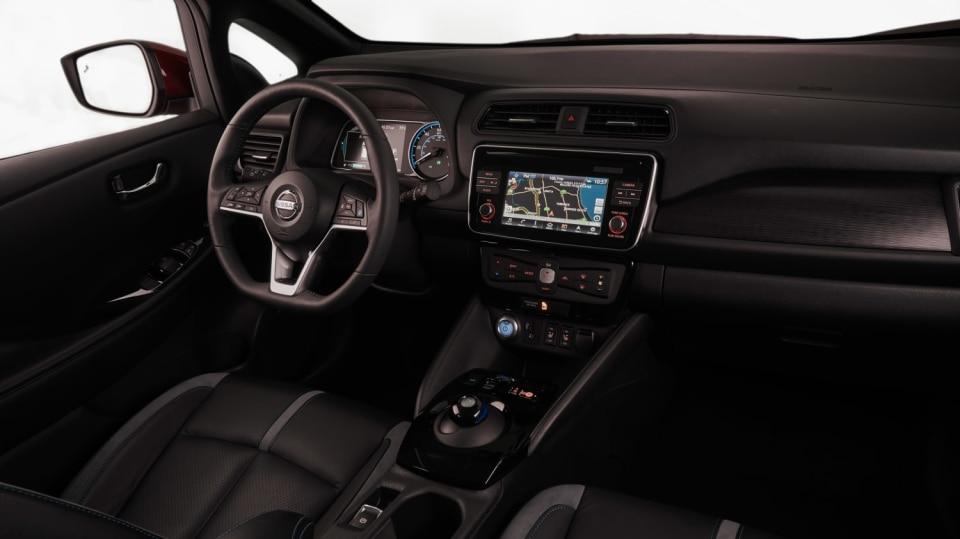Nový Nissan Leaf je tu. Vypadá dobře a ujede 380 km! 7