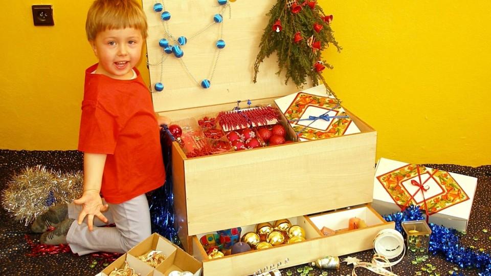 Praktická bedna na vánoční ozdoby DIY