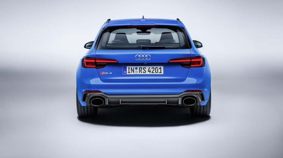 Audi RS4 Avant 11