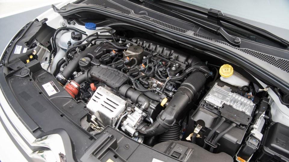 Citroën C3 1.2 PureTech interiér 9
