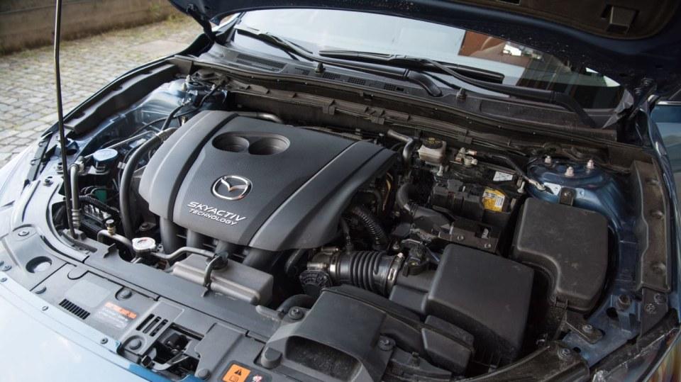 Mazda 3 Sedan po faceliftu 12