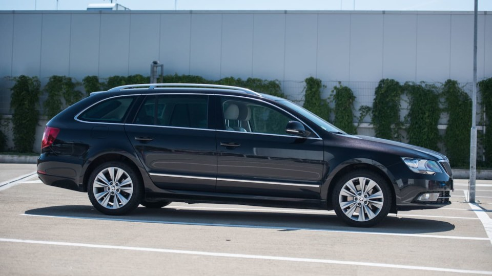 Škoda Superb Combi 2014 4