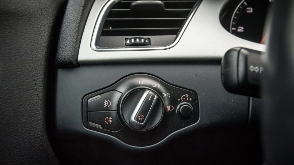 Audi A4 Allroad 2.0 TDI CR interiér 10