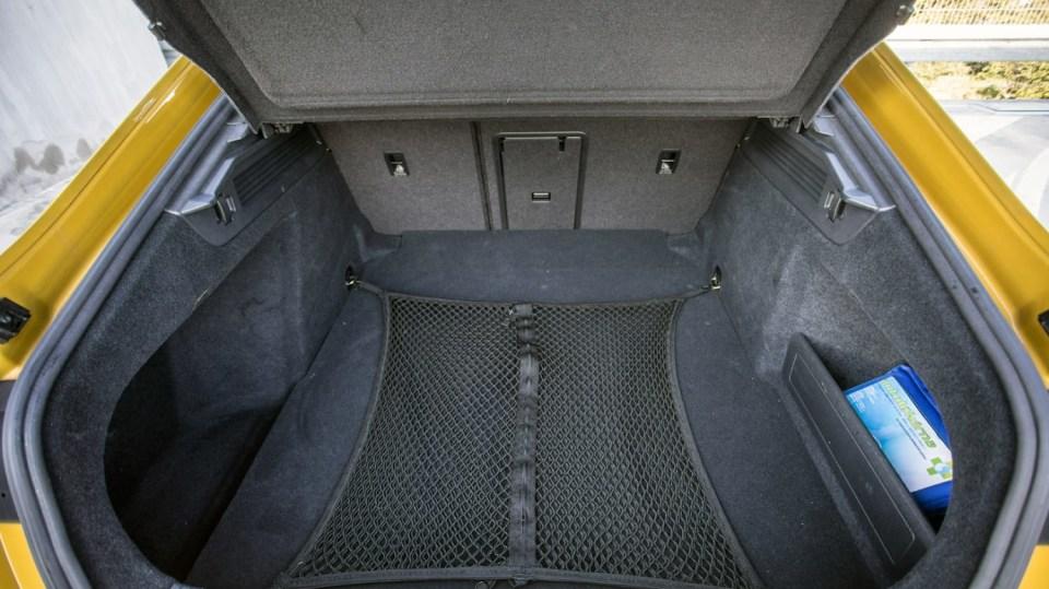 Volkswagen Arteon R-Line 2.0 TSI interiér 7