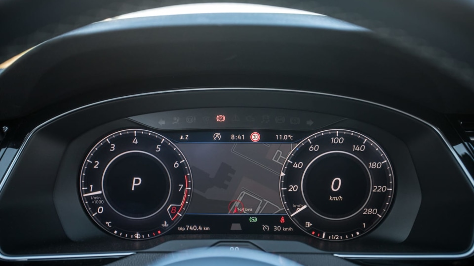 Volkswagen Arteon R-Line 2.0 TSI interiér 1