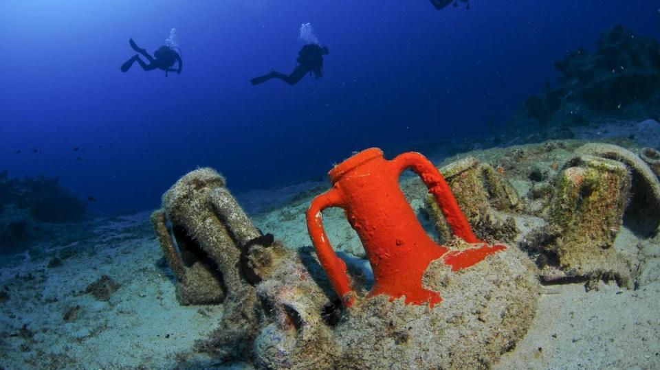 Atlantida měla podle Platóna ležet za Herkulovými sloupy, jak tehdy Řekové nazývali Gibraltarskou úžinu.