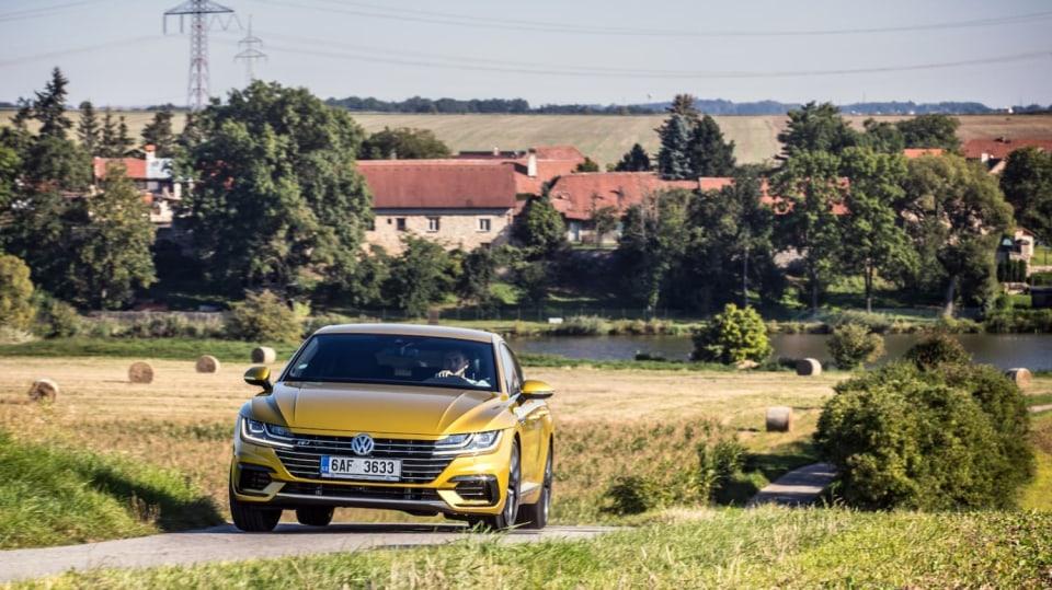 Volkswagen Arteon R-Line 2.0 TSI jízda 2