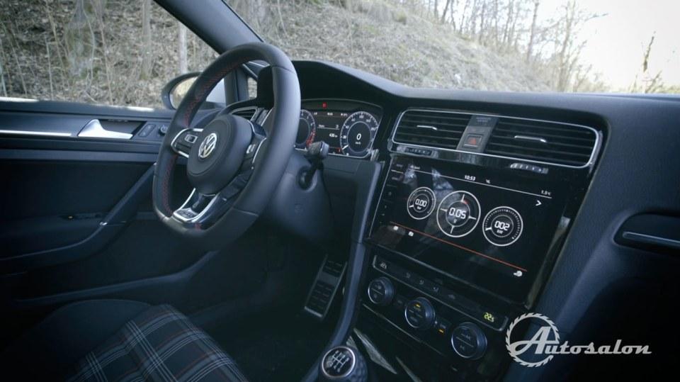 Interiér VW Golf GTI 1