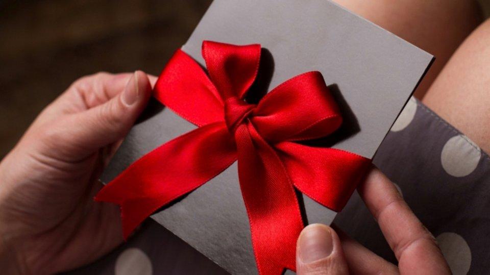 Hledáte levný a originální dárek? Darujte své služby!