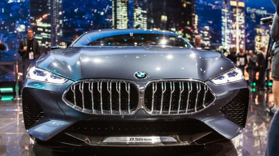 Působivé koncepty BMW na stánku ve Frankfurtu 15