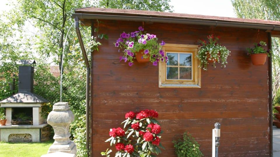 Jak prodloužit život dřevěnému zahradnímu nábytku & spol.  1
