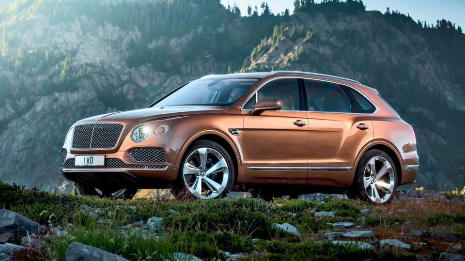 2. Bentley Bentayga - 4,1 sekundy, dvanáctiválec 6.0 litru, 447 kW, 900 Nm