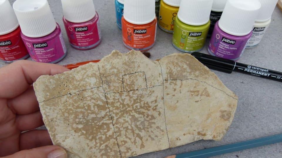 Jak namalovat městečko na opukový kámen: Dekorace nejen do zahrady 3