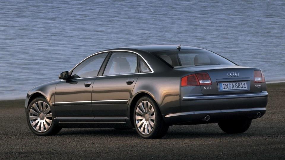Audi A8 druhé generace 1