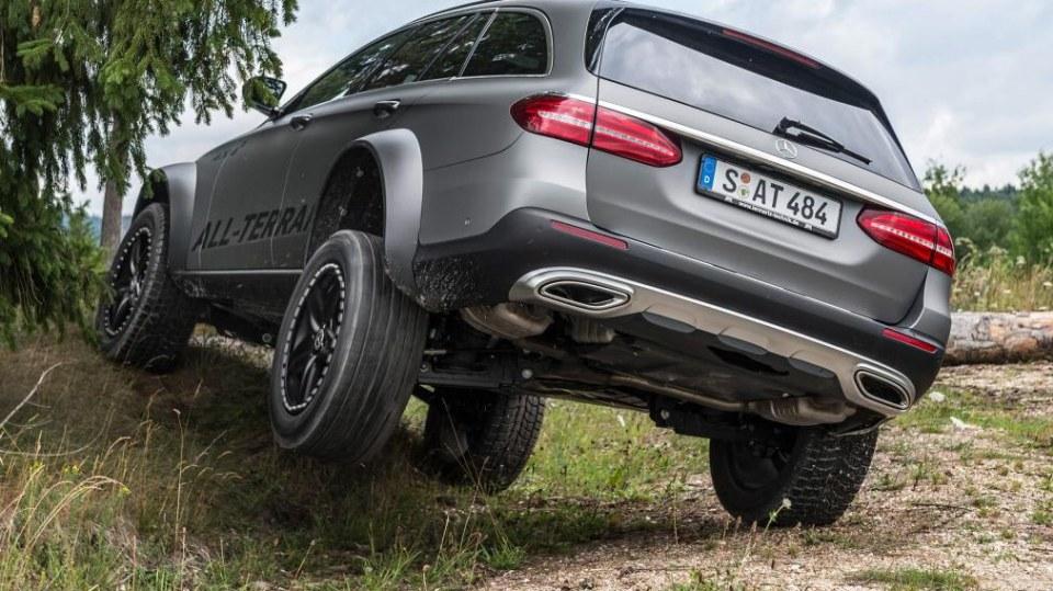 Mercedes E All-Terrain 4x4^2 2