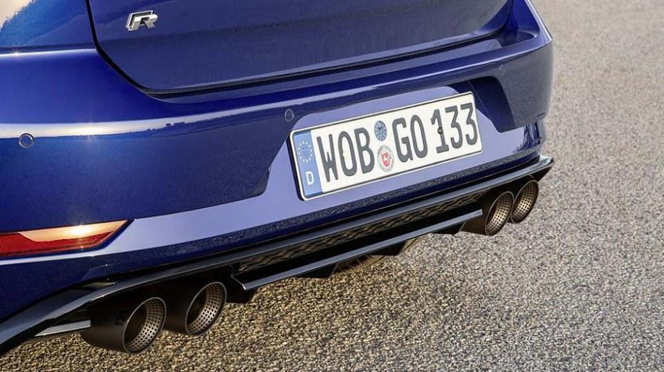 Volkswagen Golf R Performance 6