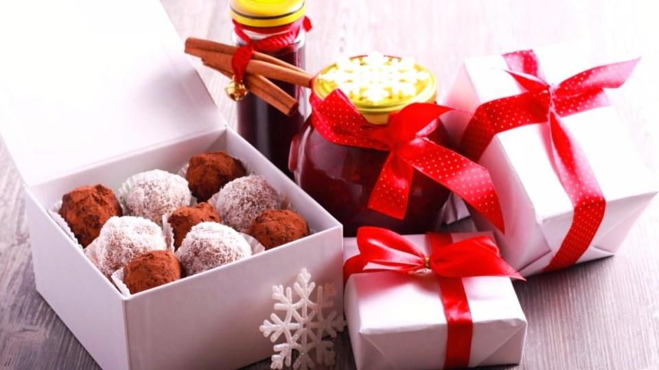 Domácí jedlé dárky vás finančně nezruinují a udělají velkou radost