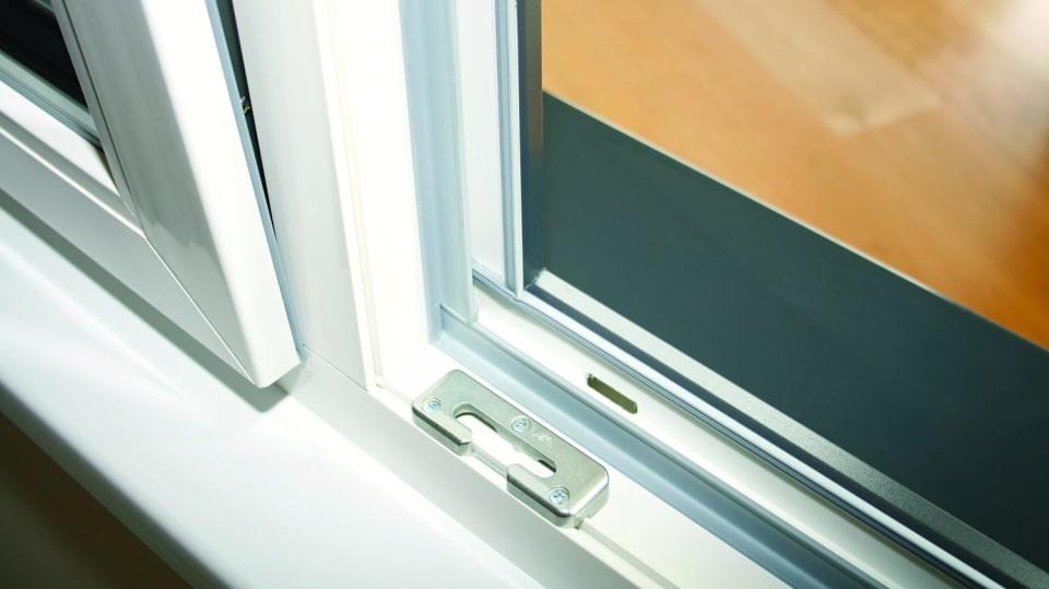 Okenní těsnění potřebuje údržbu