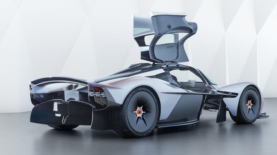 Aston Martin Valkyrie 19