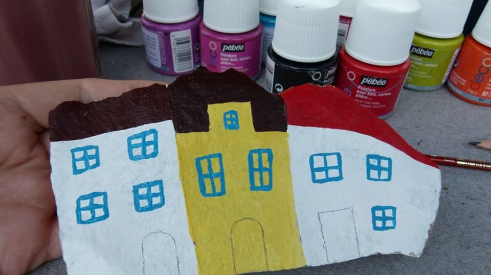 Jak namalovat městečko na opukový kámen: Dekorace nejen do zahrady 8