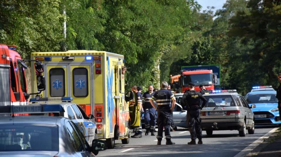 Policie ukázala drsnou honičku v Praze. Agresivní řidič na drogách zničil čtyři auta 3