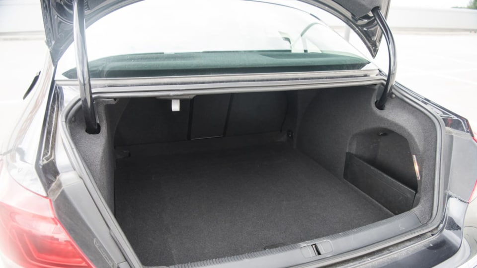 Ojetý Volkswagen CC interiér 9