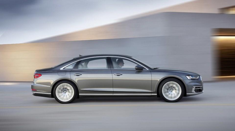 Nové Audi A8 v prodloužené luxusní verzi L. 14