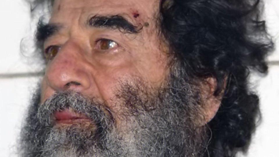 Saddam Husajn chvíli po zatčení