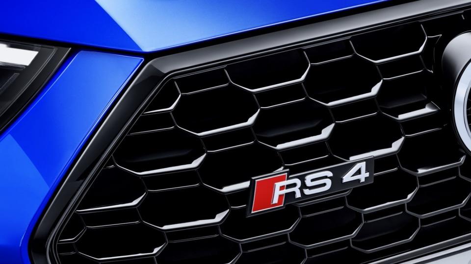 Audi RS4 Avant 19