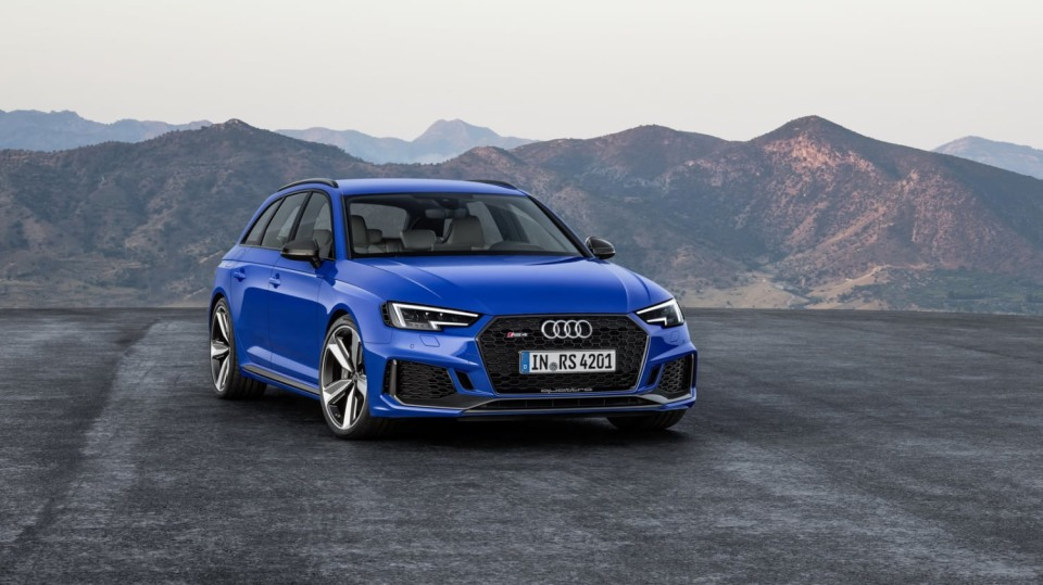 Audi RS4 Avant 9