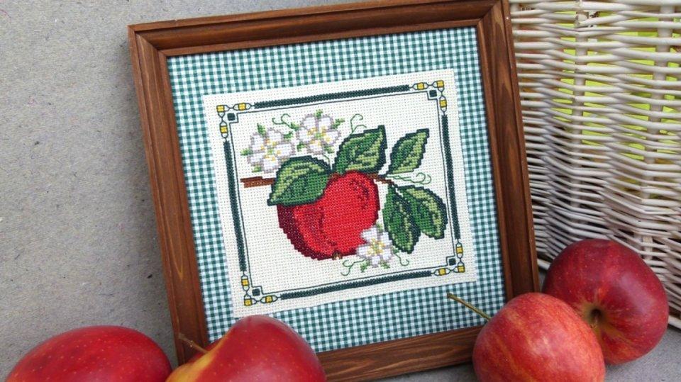 Vyšívané jablíčko: Kouzelná podzimní dekorace na stěnu 2