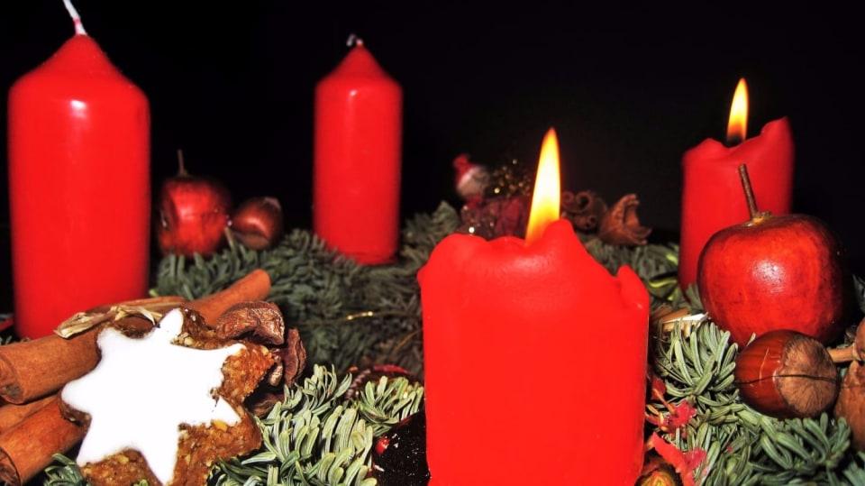 Druhý adventní týden a druhá rozsvícená svíčka na adventní věnci