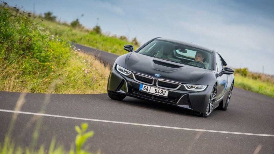 Provětrali jsme hybridní BMW i8 v edici Protonic Frozen. 7