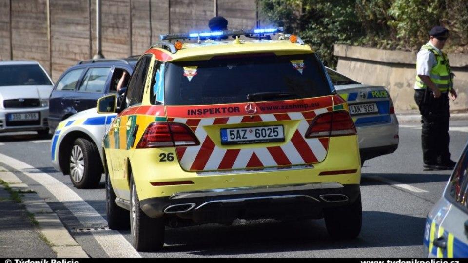 Policie ukázala drsnou honičku v Praze. Agresivní řidič na drogách zničil čtyři auta 4