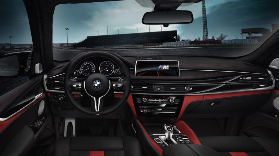 BMW X5 M a X6 M Black Fire 5