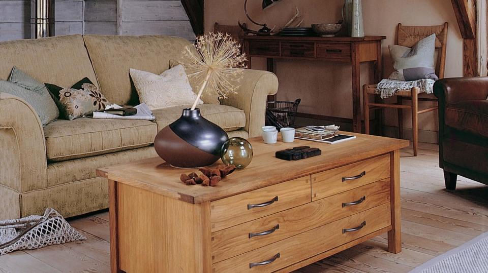 Nábytek z dřevěného masivu: Jak ošetřovat dřevěný nábytek 1