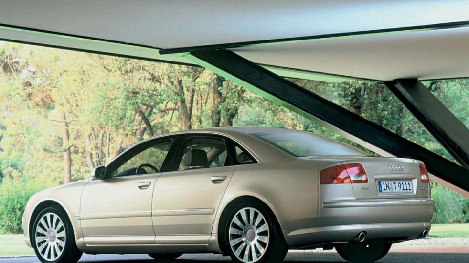 Audi A8 druhé generace 4