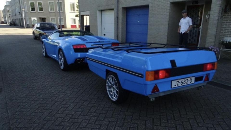 Lamborghini Gallardo s přívěsem 1
