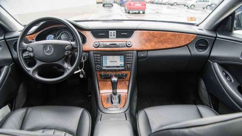 Mercedes-Benz CLS 320 CDI interiér 1