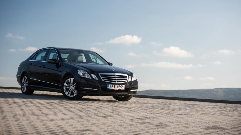 Mercedes-Benz E 220 CDI exteriér 9
