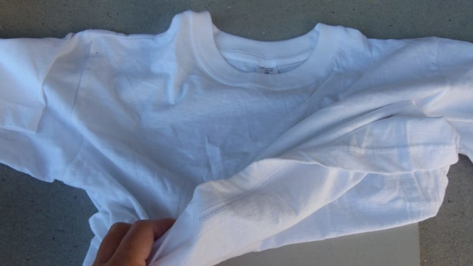 Rozkvetlé tričko aneb Pohrajte si s foukacími fixy 2