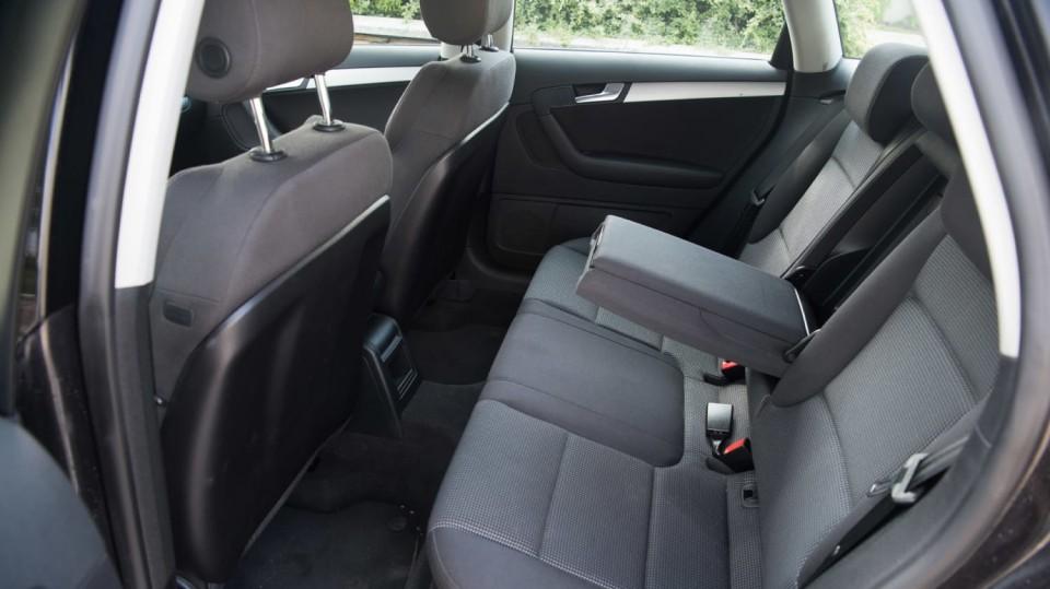 Audi A3 vypadá dobře i po šesti letech a 160 000 kilometrů. 13