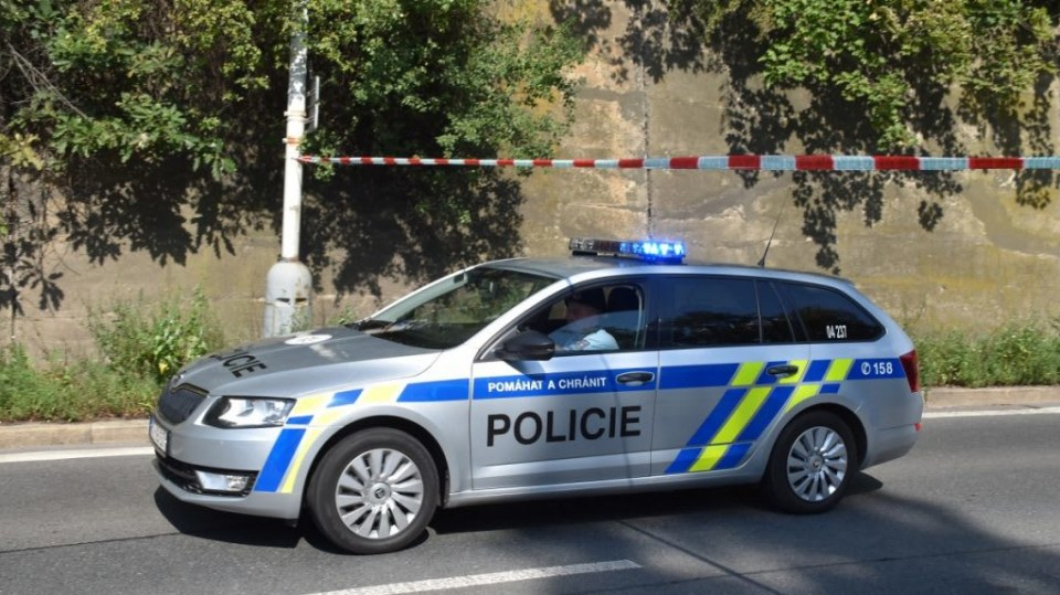 Policie ukázala drsnou honičku v Praze. Agresivní řidič na drogách zničil čtyři auta 7