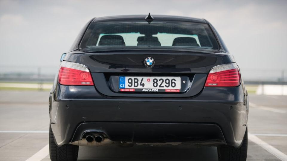BMW 530i E60 exteriér 2