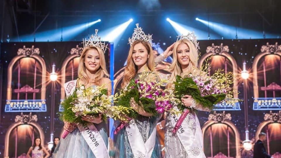 Miss Earth Kristýna Kubíčková, Česká Miss 2016 Andrea Bezděková a Miss World Natálie Kotková.