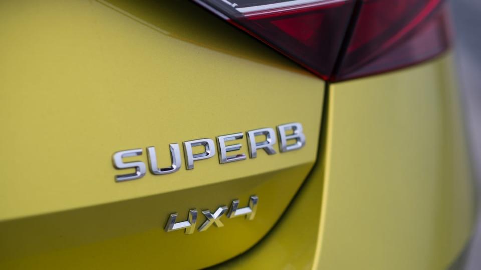 Škoda Superb 2.0 TSI 2