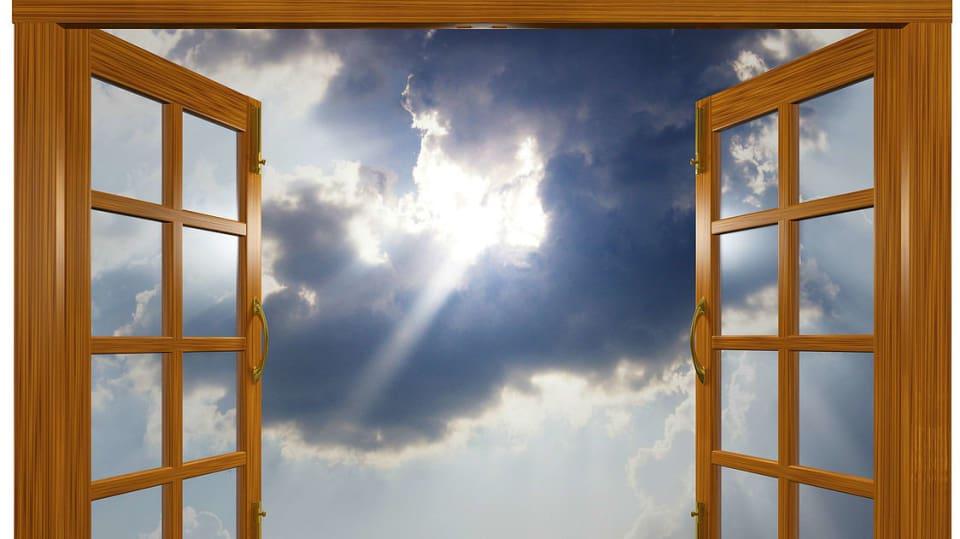 Co dělat, když se okno zavírá samo: Jak svěšené okno správně seřídit 1