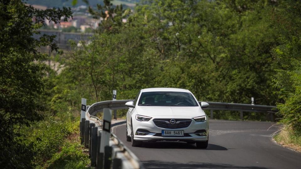 Opel Insignia Grand Sport 2.0 Turbo 4x4 jízda 3